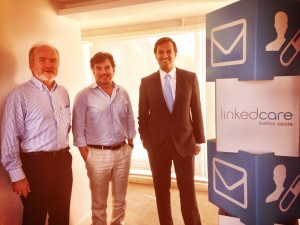 Hans-Erhard Reiter e Nuno Pacheco, fundadores da linkedcare, ao lado de Ricardo Baptista Leite