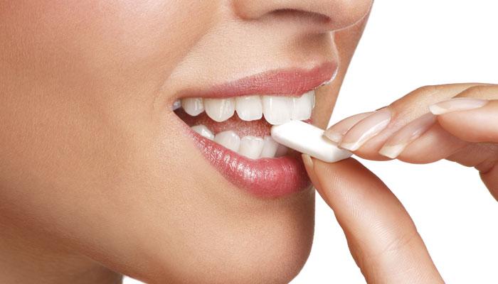 Cientistas descobrem que mascar pastilha elástica pode ajudar a perder peso!