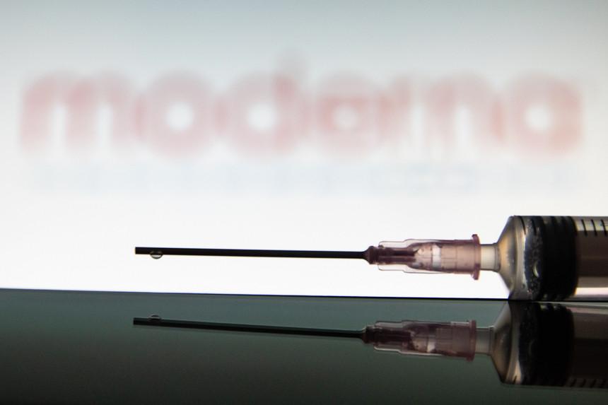 Farmacêutica Moderna faturou 1.700 milhões de dólares até março com venda da sua vacina